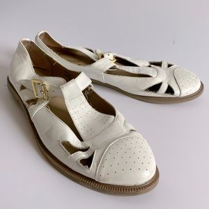 41 TOPSHOP LEATHER MARY JANE SHOES WHITE FLATS